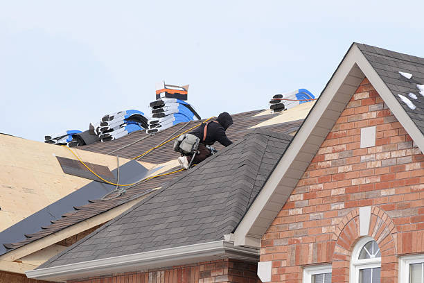 Things to Put Into Account When Looking For the Best Roofing Contractor
